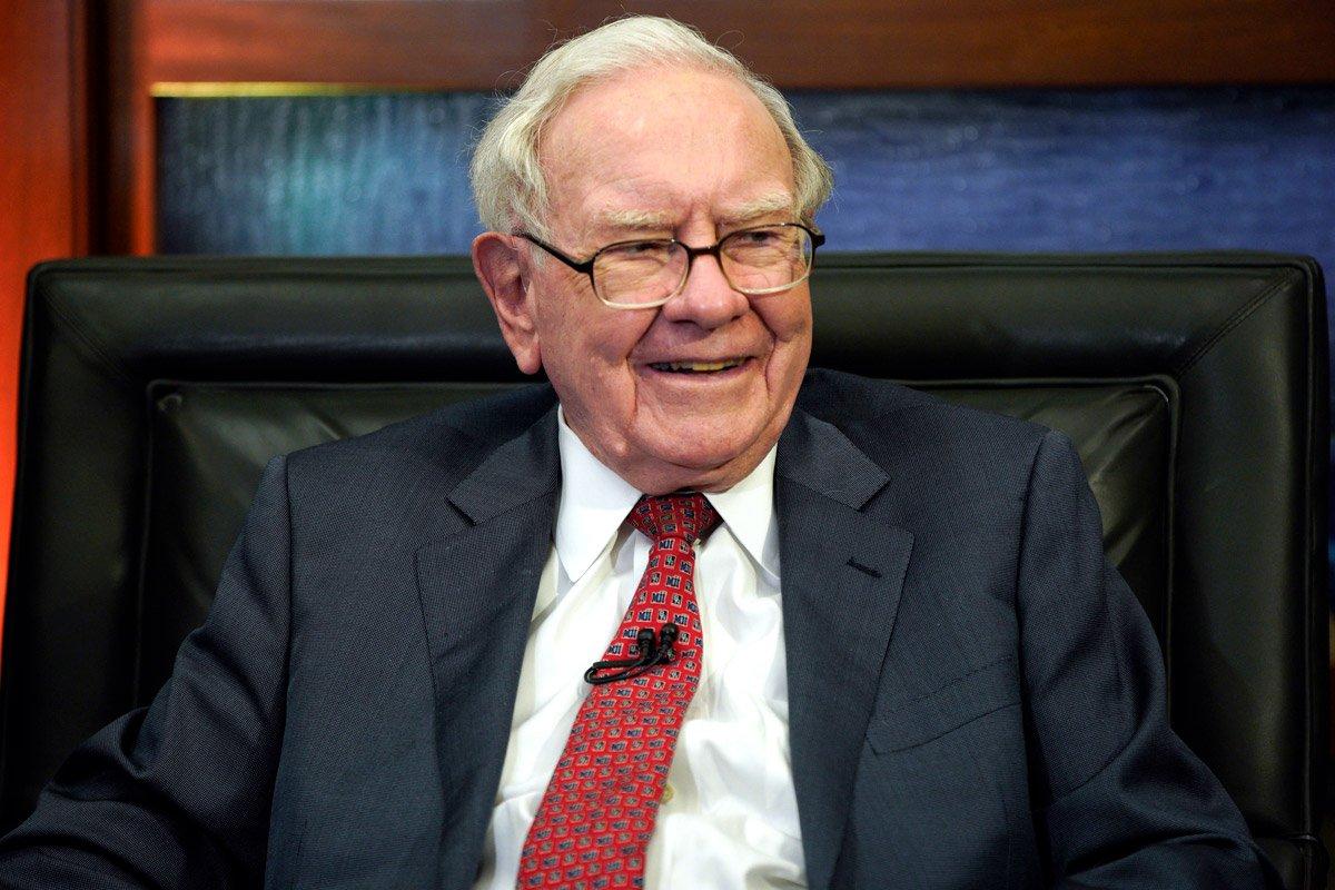 How Warren Buffett Thinks You Should Invest $1,400 ...